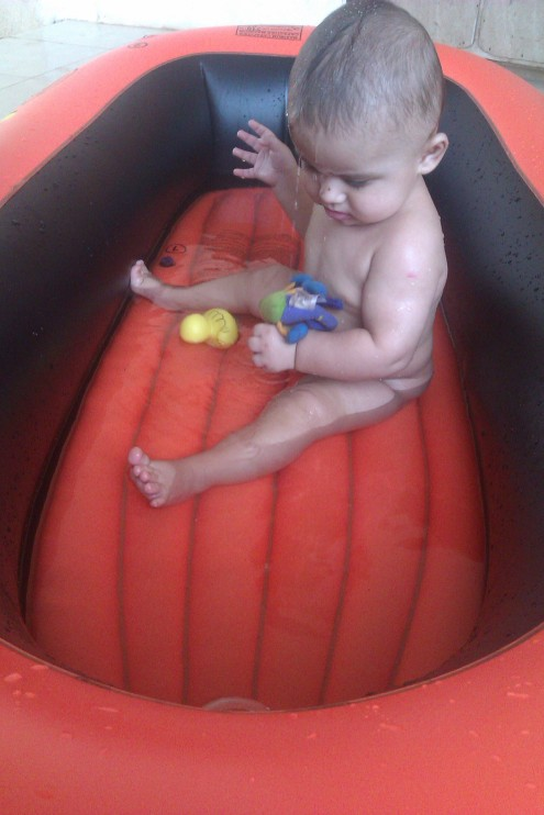 Kummipaat kui bassein