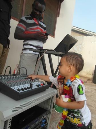 DJ, pidu, Aafrika, lapse sünnipäev,