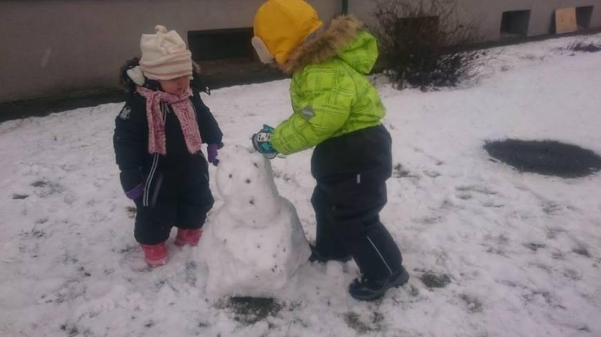 talve rõõmud, lumememme tegemine, lapsed lumes, mängud, lume rõõmud, tagasi eestis, etheli blogi, ethel aoude