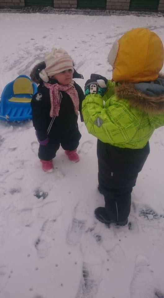 lume pall, lumi, talv, araabia lapsed eestis, tagasi eestis, pere